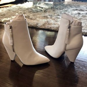 Kenneth Cole New York, Galway Bootie 🔥